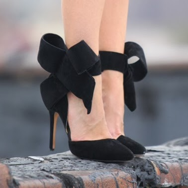 bow pump black