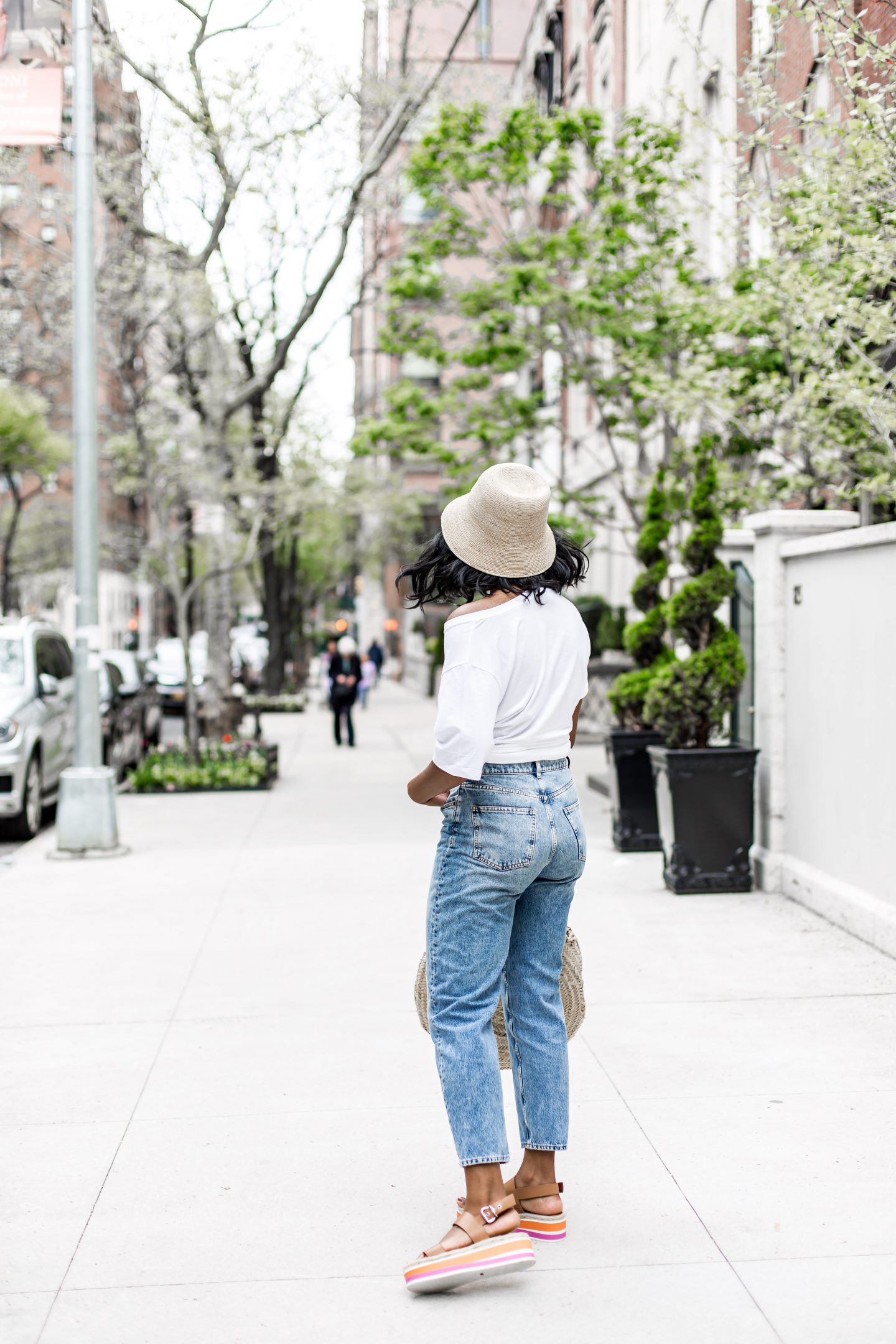 92ddd87d Hat's are having a moment. I've always loved a good hat. The sturdier the  better. Now that I'm preparing for summer and an upcoming beach vacation,  ...